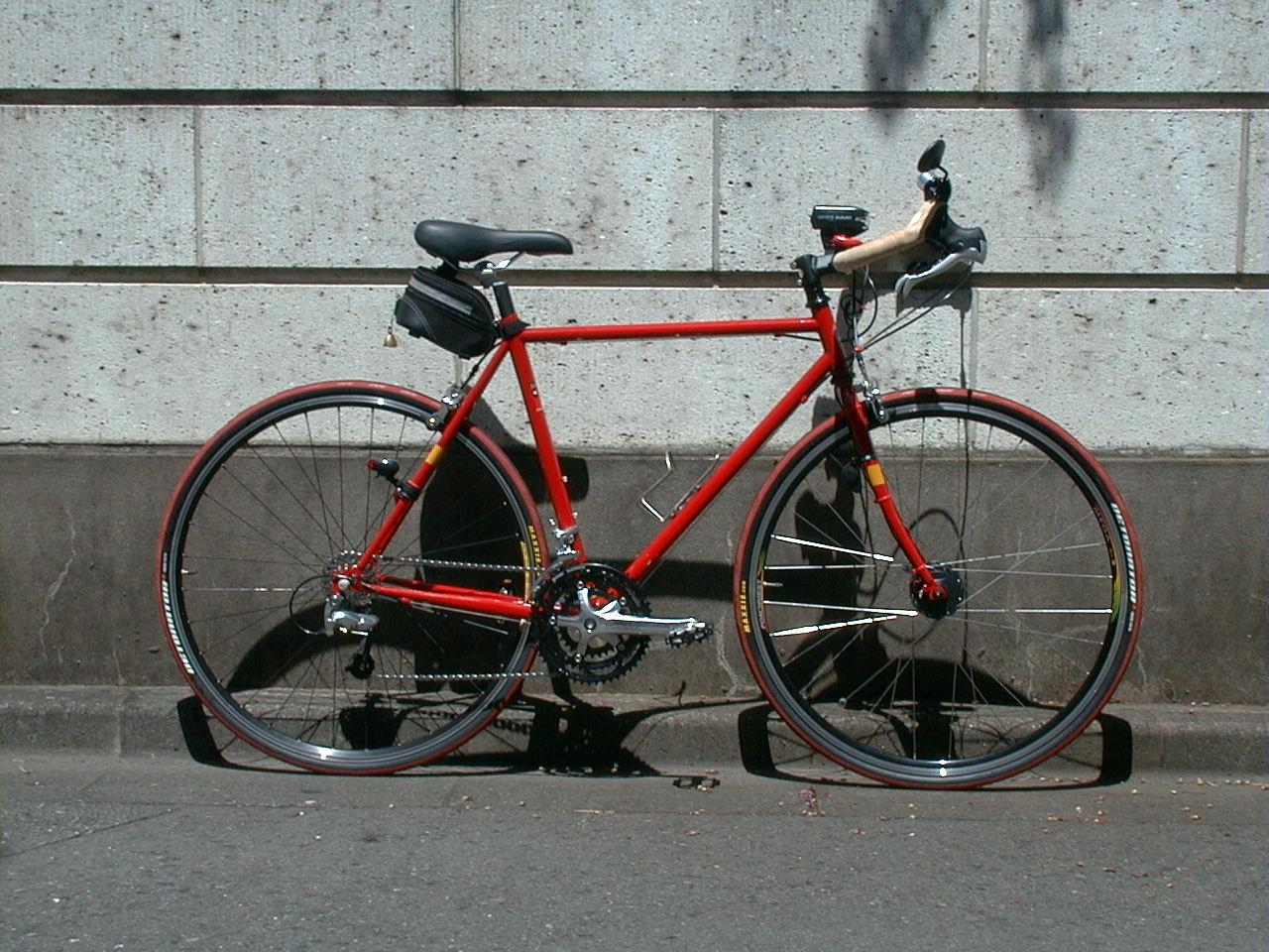 自転車の 自転車 車の中 固定 : クロモリフレーム、シマノ ...